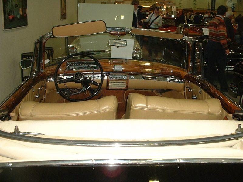 Mercedes Ponton 220S