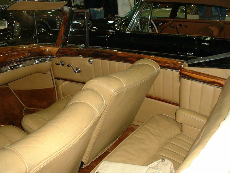 Mercedes Ponton 220S.